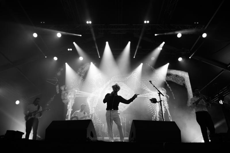 Żywy ska koncert na scenie fotografia stock