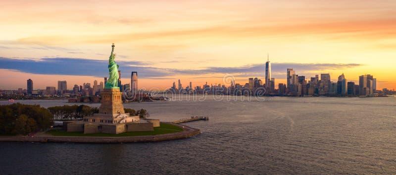 Άγαλμα ελευθερίας στην πόλη της Νέας Υόρκης στοκ φωτογραφία με δικαίωμα ελεύθερης χρήσης
