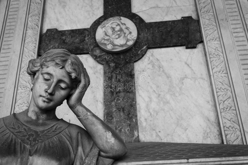 Άγαλμα ενός ανησυχημένου προσώπου γυναικών στοκ εικόνες