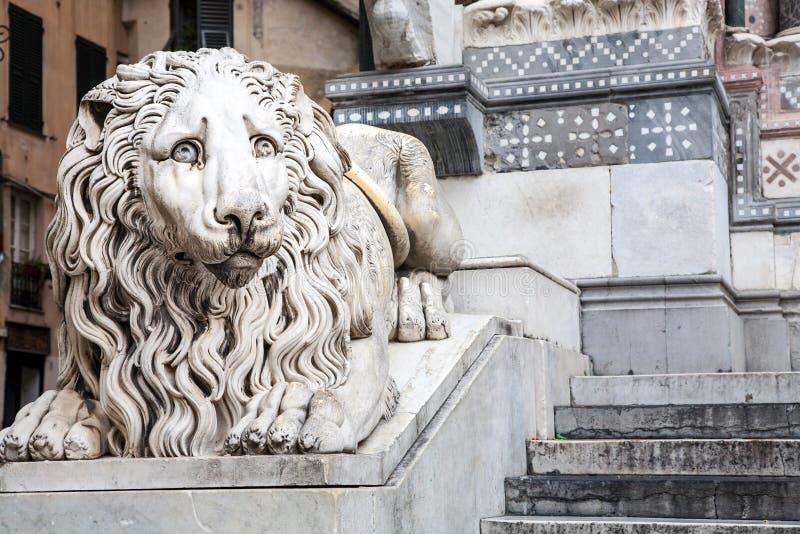 Άγαλμα λιονταριών, καθεδρικός ναός, Γένοβα στοκ εικόνα με δικαίωμα ελεύθερης χρήσης