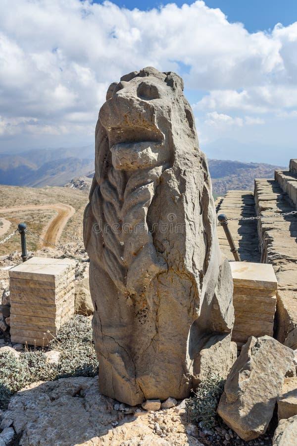 Άγαλμα λιονταριών στο ανατολικό πεζούλι πάνω από το βουνό Nemrut Τουρκία στοκ εικόνα με δικαίωμα ελεύθερης χρήσης