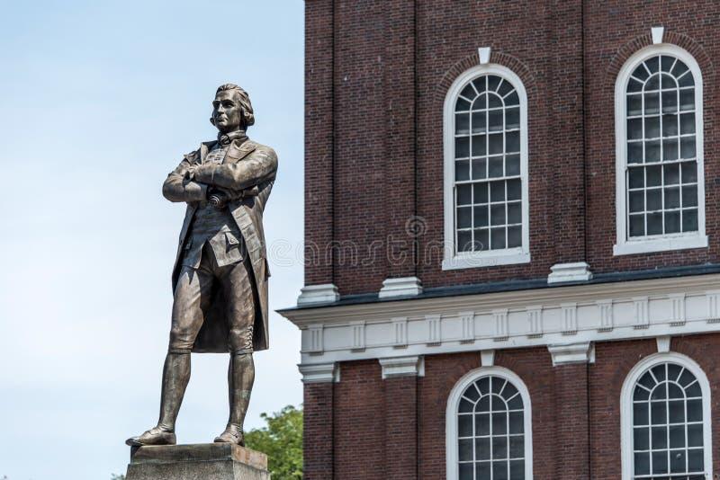 Άγαλμα μνημείων του Samuel Adams κοντά στην αίθουσα Faneuil στη Βοστώνη Μασαχουσέτη ΗΠΑ στοκ φωτογραφίες με δικαίωμα ελεύθερης χρήσης
