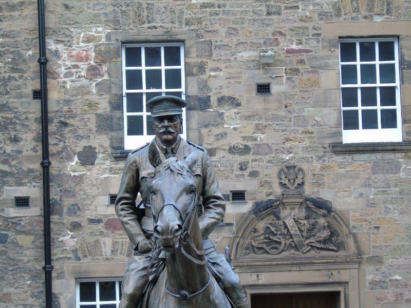 Άγαλμα Ντάγκλας Haig στο κάστρο του Εδιμβούργου στοκ φωτογραφία