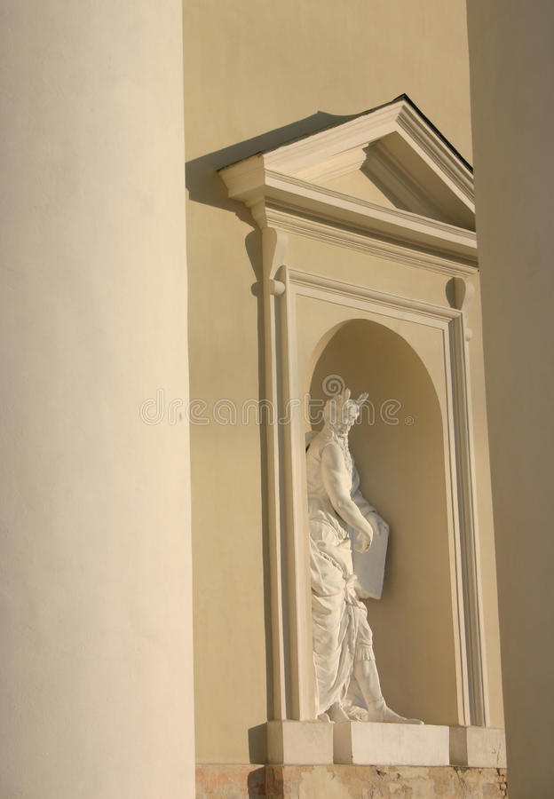 Άγαλμα στον καθεδρικό ναό Vilnius στοκ φωτογραφία με δικαίωμα ελεύθερης χρήσης