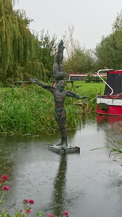 Άγαλμα στον ποταμό Stort στοκ φωτογραφία με δικαίωμα ελεύθερης χρήσης