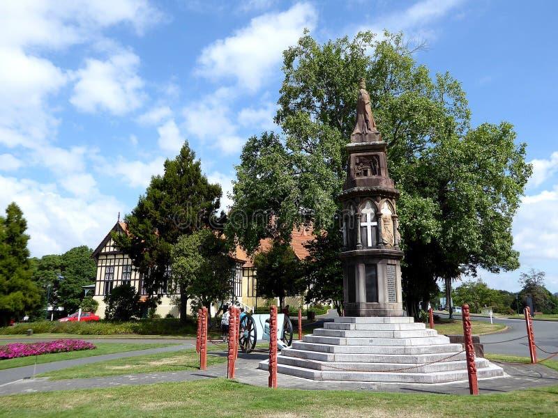Άγαλμα στο fron των παλαιών λουτρών οικοδόμησης, μουσείο Rotorua στοκ εικόνες με δικαίωμα ελεύθερης χρήσης