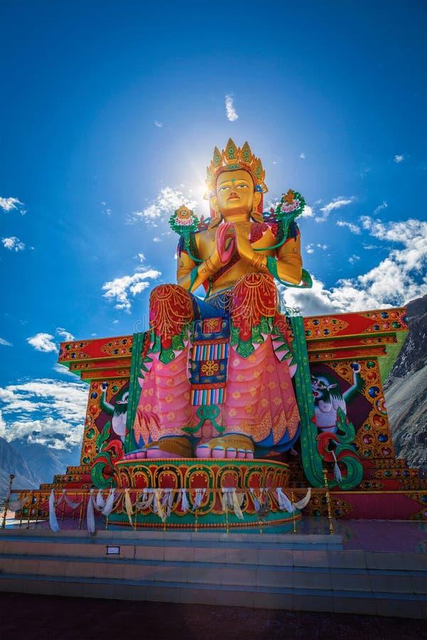 Άγαλμα του Βούδα Maitreya σε Diskit Gompa Κοιλάδα Nubra Ladakh, μέσα στοκ φωτογραφία