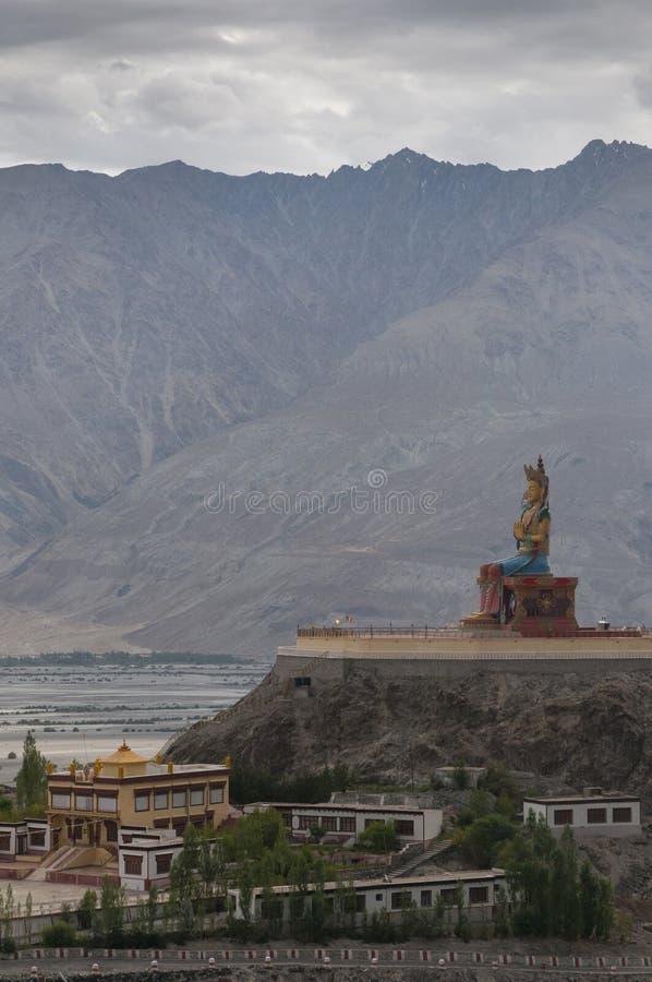 Άγαλμα του Βούδα Maitreya στην κοιλάδα Nubra στοκ φωτογραφίες με δικαίωμα ελεύθερης χρήσης