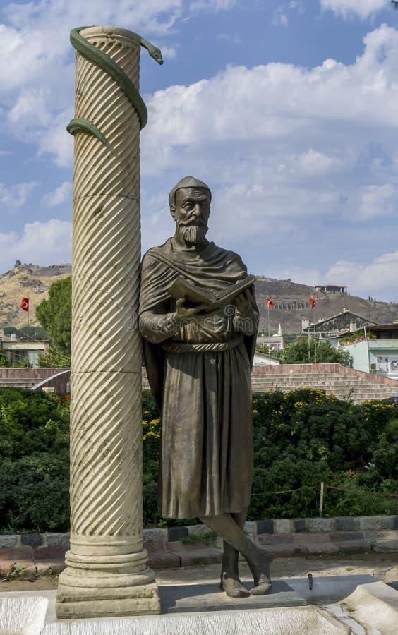 Άγαλμα του Γκάλεν του Περαμόν στην Μπεργκάμα της Τουρκίας στοκ εικόνες