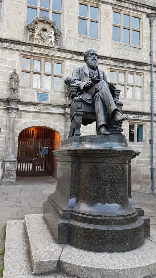 Άγαλμα του Charles Δαρβίνος, Shrewsbury στοκ φωτογραφία με δικαίωμα ελεύθερης χρήσης