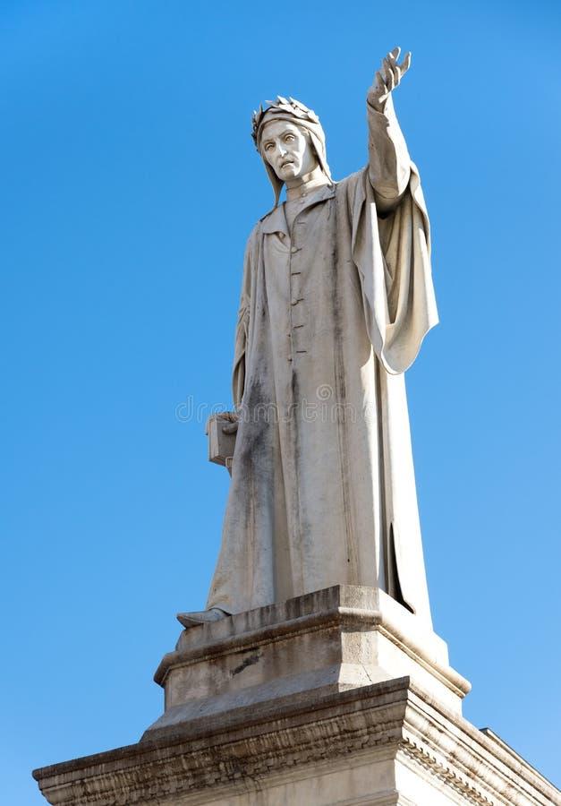 Άγαλμα του Dante Alighieri - Ιταλία στοκ φωτογραφία