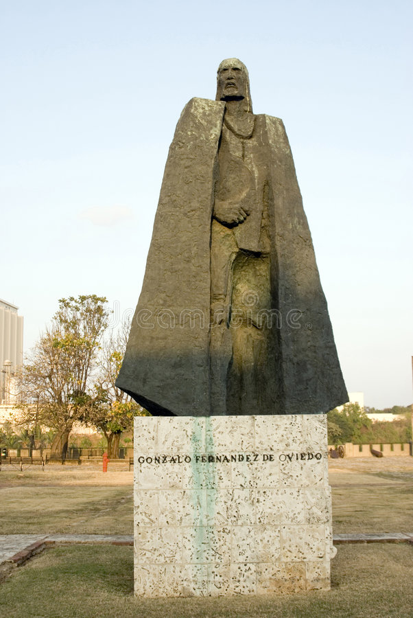 άγαλμα του Fernandez Gonzalo στοκ εικόνες με δικαίωμα ελεύθερης χρήσης