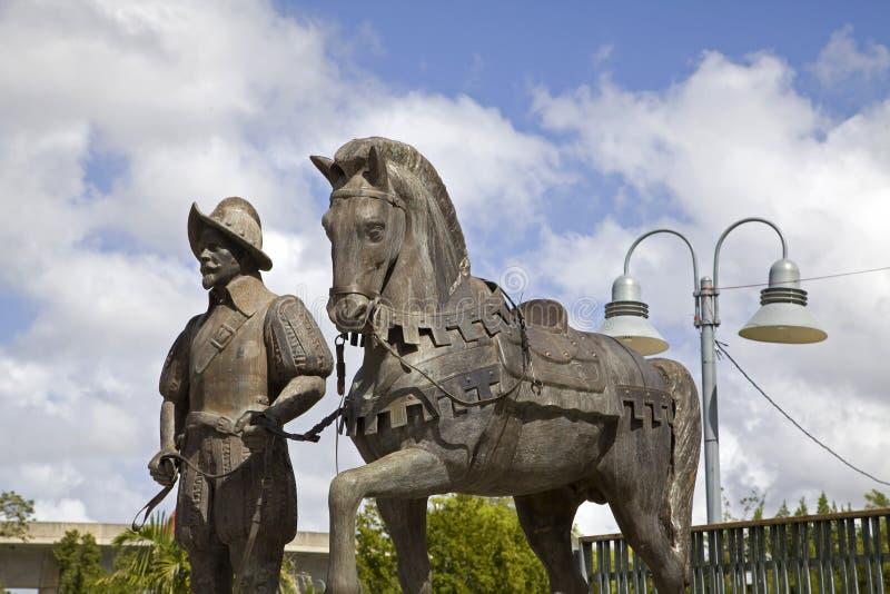 Άγαλμα χαλκού ισπανικών Conquistador και του αλόγου Bayamon Πουέρτο Ρίκο στοκ φωτογραφίες με δικαίωμα ελεύθερης χρήσης