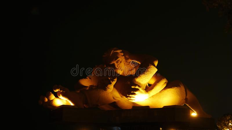 """""""The άγαλμα Kiss† που βρίσκεται στο πάρκο αγάπης, Λίμα στοκ εικόνα"""