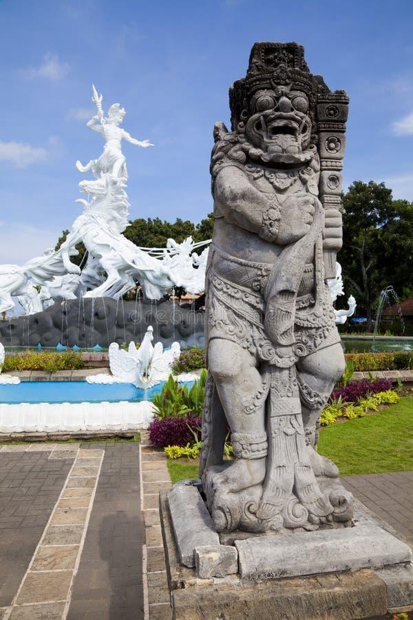 άγαλμα satria φυλάκων gatotkaca του Μπ&alp στοκ φωτογραφίες