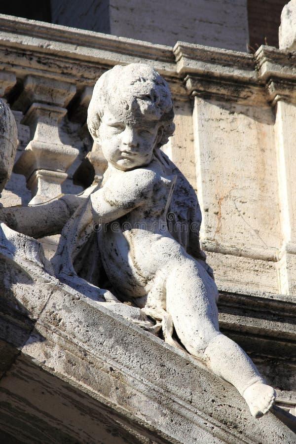 Άγαλμα αγγέλου σε σημαντική βασιλική Αγίου Mary στη Ρώμη στοκ εικόνα με δικαίωμα ελεύθερης χρήσης