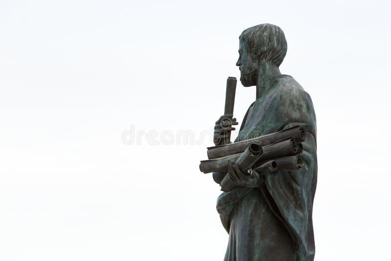 Άγαλμα Αριστοτέλη ένας μεγάλος ελληνικός φιλόσοφος στοκ φωτογραφία με δικαίωμα ελεύθερης χρήσης