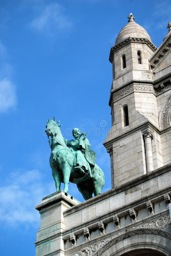 Άγαλμα αλόγων και αναβατών στην εκκλησία Παρίσι Sacre Coeur στοκ φωτογραφία