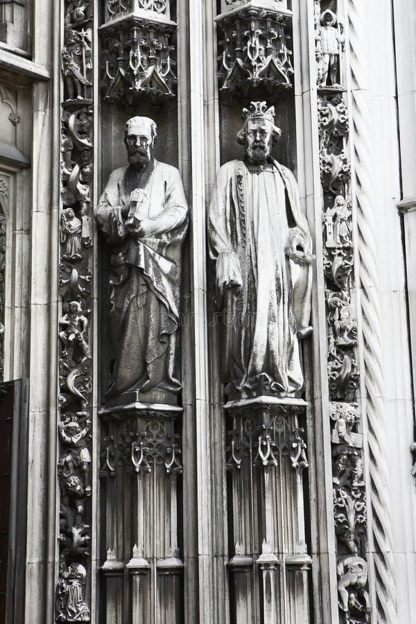 Άγαλμα καθεδρικών ναών της Λωζάνης στοκ φωτογραφία