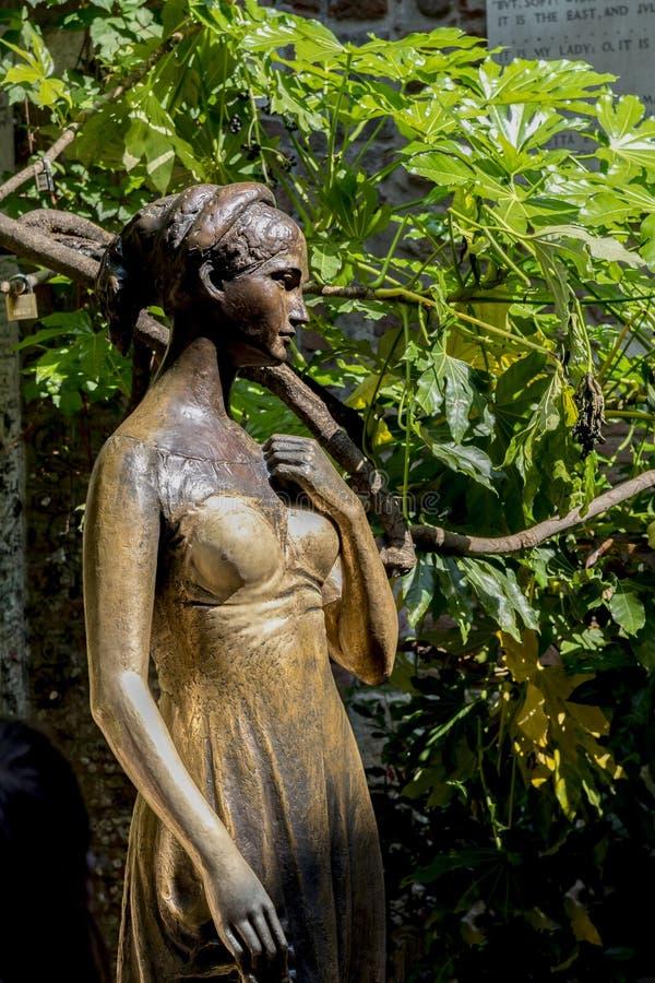 Άγαλμα της Juliet ` s στη Βερόνα, Ιταλία στοκ εικόνες