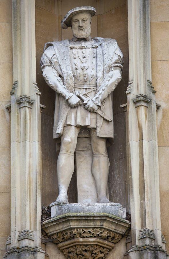 Άγαλμα του βασιλιά Henry VII στο κολλέγιο βασιλιάδων στο Καίμπριτζ στοκ εικόνες