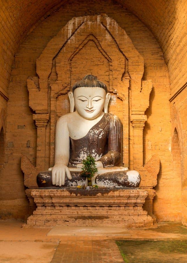 Άγαλμα του Βούδα σε έναν ναό Bagan, το Μιανμάρ στοκ εικόνες με δικαίωμα ελεύθερης χρήσης
