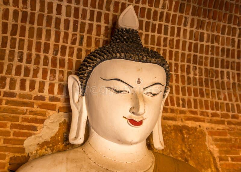 Άγαλμα του Βούδα σε έναν ναό Bagan, το Μιανμάρ στοκ εικόνα με δικαίωμα ελεύθερης χρήσης