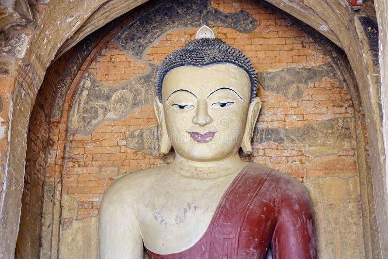 Άγαλμα του Βούδα στο ναό σε Bagan, το Μιανμάρ στοκ εικόνα