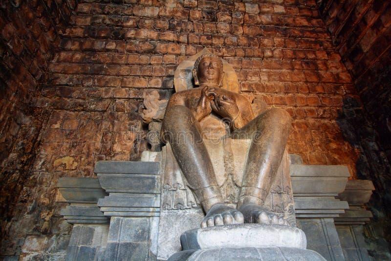 Άγαλμα του Βούδα στο ναό Mendut στοκ εικόνα με δικαίωμα ελεύθερης χρήσης