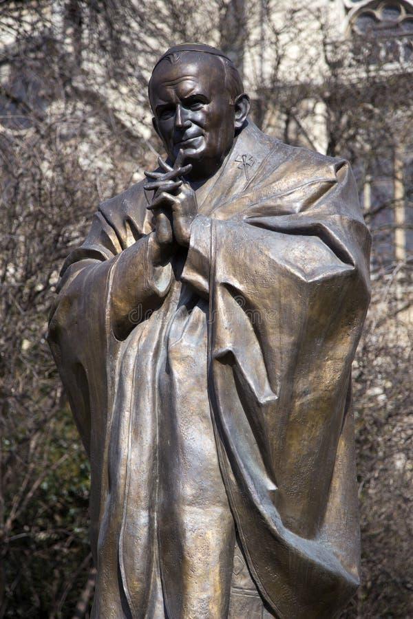 Άγαλμα του John Paul II στο Παρίσι, Γαλλία στοκ φωτογραφία