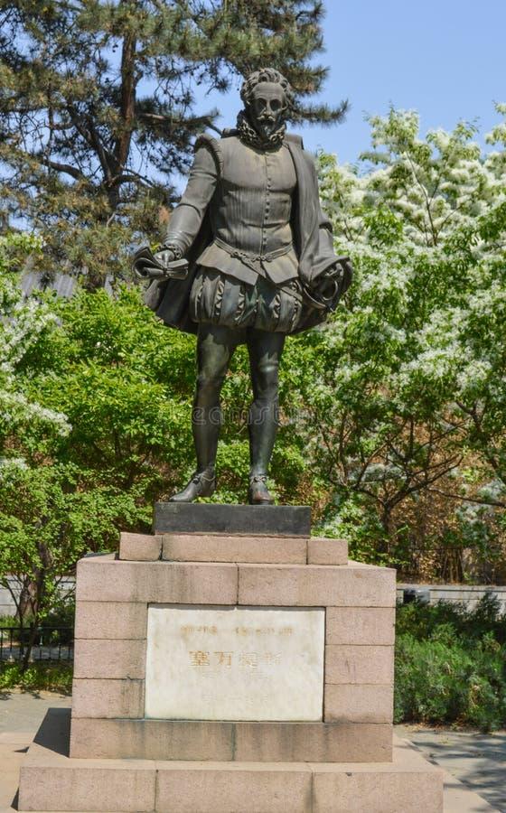 Άγαλμα του Miguel de Θερβάντες Saavedra στοκ εικόνες