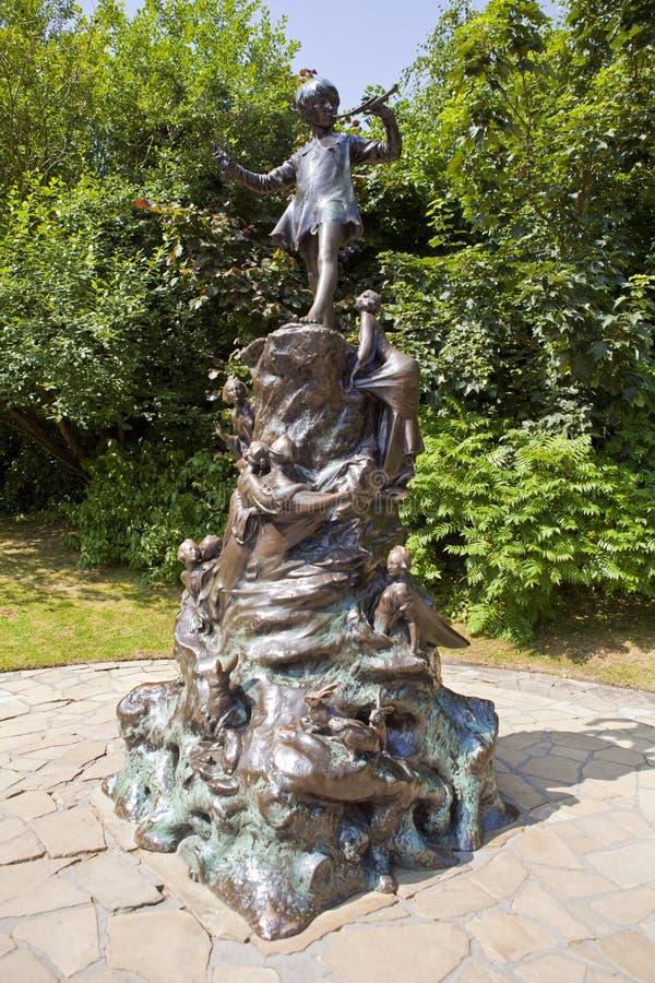 Άγαλμα του Peter Pan στο Λονδίνο στοκ εικόνες