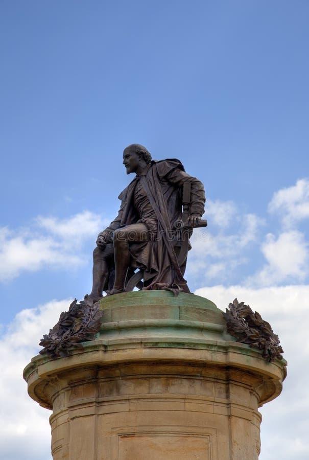 Άγαλμα του William Shakespeare με το διάστημα για το αντίγραφο στοκ εικόνα