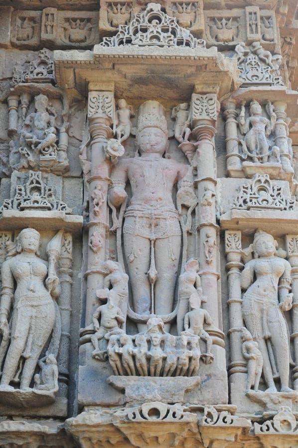 Άγαλμα Vishwakarma στο ναό ήλιων Modhera, Gujarat στοκ εικόνες
