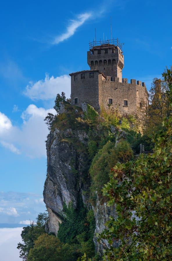 Άγιος Μαρίνος, Ιταλία Δεύτερος πύργος: το Cesta ή το Fratta στοκ φωτογραφία