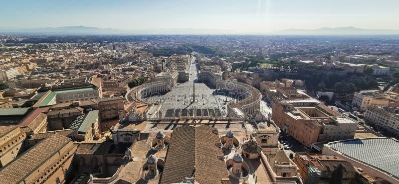 Άγιος Πέτρος'·s Βασιλική στην πόλη του Βατικανού Ρώμη Ιταλία στοκ φωτογραφία με δικαίωμα ελεύθερης χρήσης