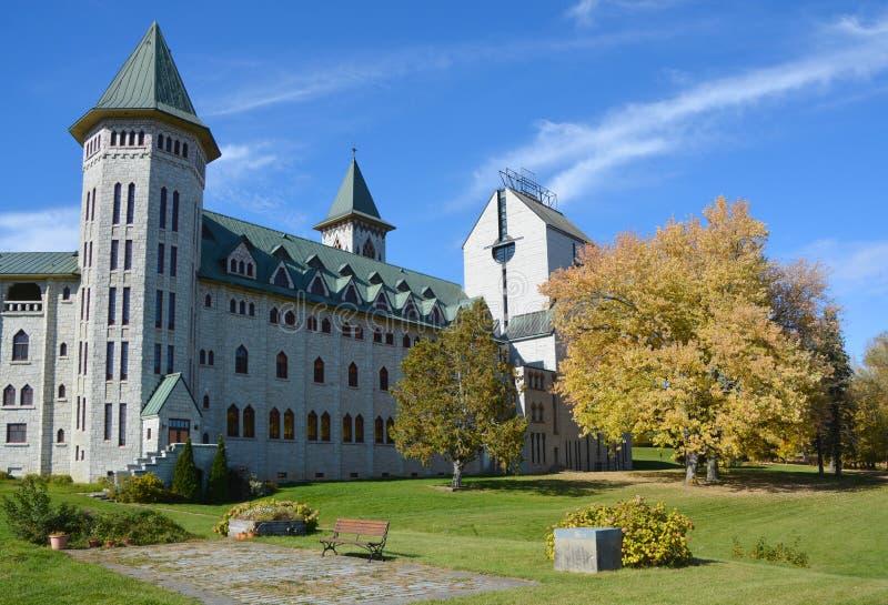 Άγιος Benedict Abbey στην Άγιος-Benoit-du-λάκκα στοκ εικόνα