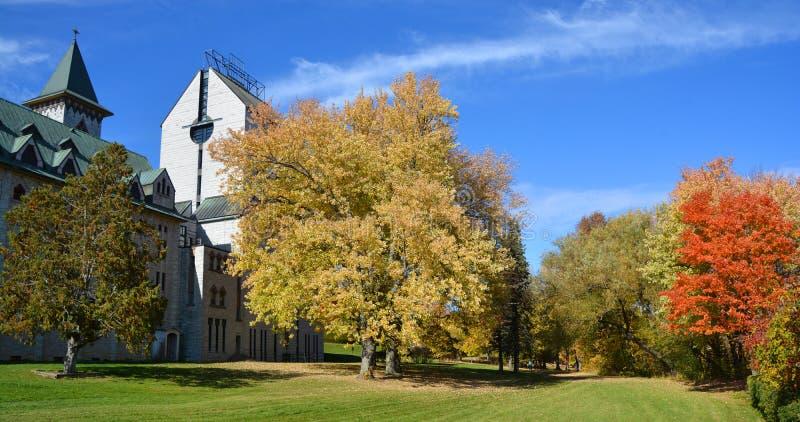 Άγιος Benedict Abbey στην Άγιος-Benoit-du-λάκκα στοκ εικόνα με δικαίωμα ελεύθερης χρήσης