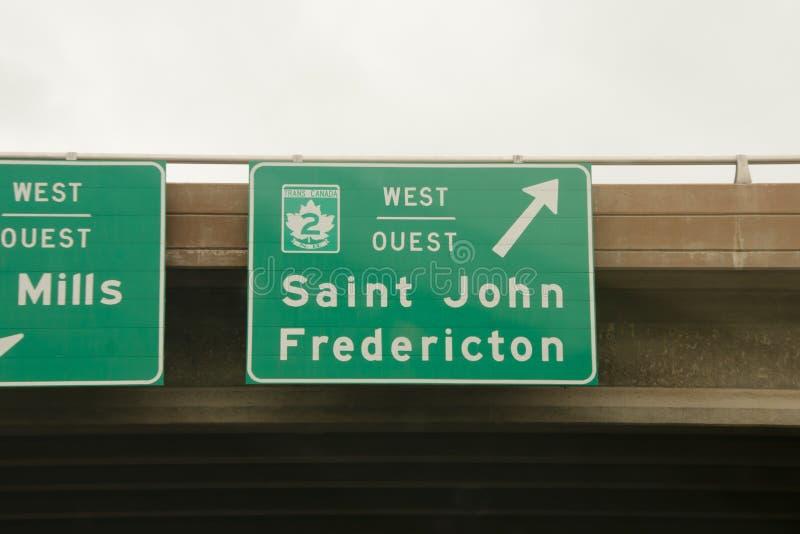 Άγιος John & οδικά σημάδια Fredericton στοκ φωτογραφίες