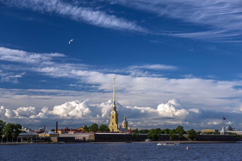 Άγιος Peter και φρούριο Pavel σε Άγιο Πετρούπολη στοκ φωτογραφία με δικαίωμα ελεύθερης χρήσης