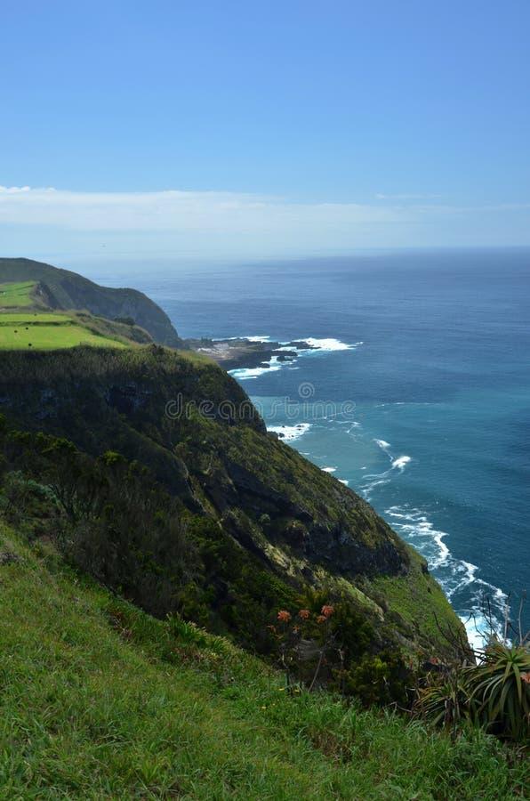 Άγρια ακτή του νησιού του Miguel Σάο στις Αζόρες, Πορτογαλία στοκ φωτογραφίες