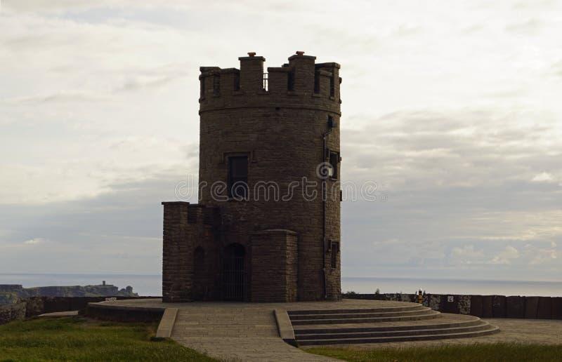 Άγριος ατλαντικός πύργος τρόπων Ο Brien s και οι απότομοι βράχοι Moher στοκ φωτογραφίες