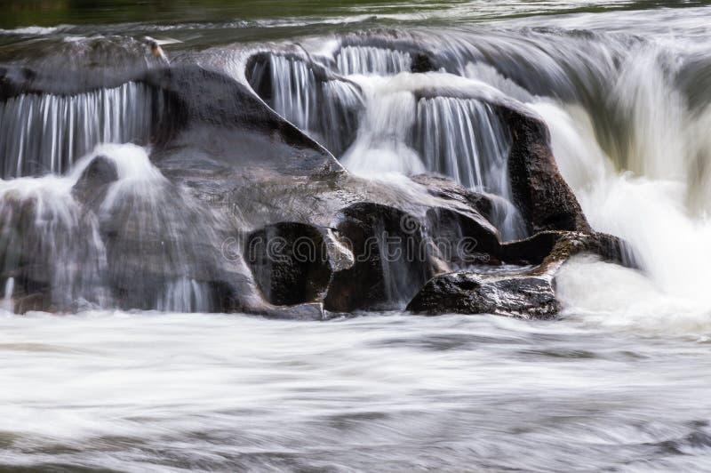Άγριος και φυσικός ποταμός Chattooga στοκ φωτογραφία