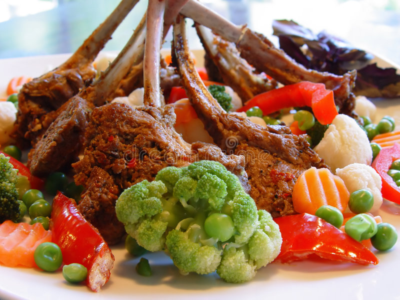 Download άκρες στοκ εικόνα. εικόνα από τρόφιμα, γεύμα, πιπέρι, κρέας - 381773