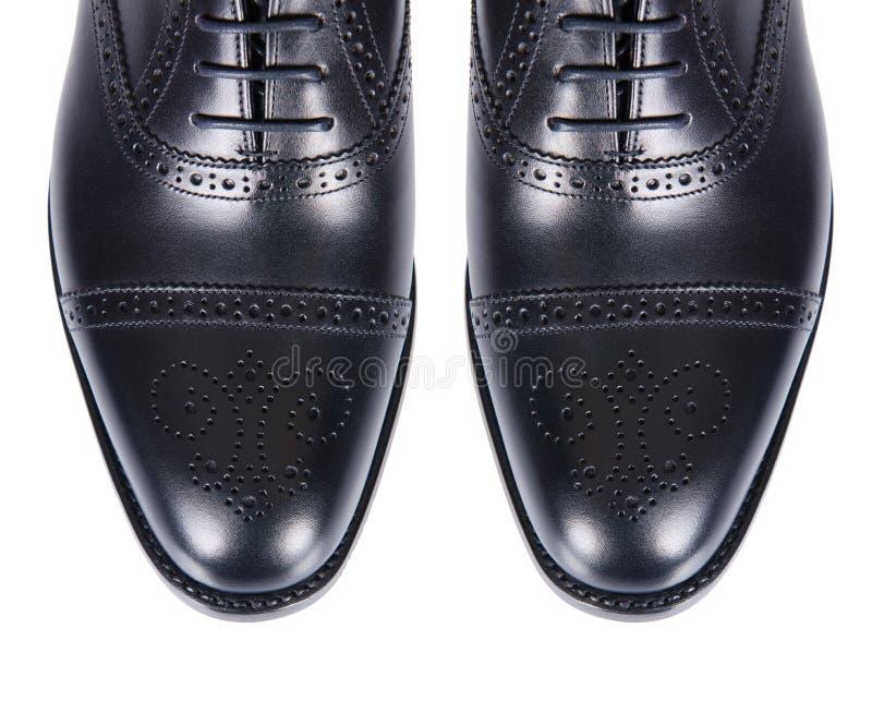 Download Άκρη των αρσενικών παπουτσιών που απομονώνεται στο λευκό Στοκ Εικόνες - εικόνα από τακούνια, μόδα: 62711064
