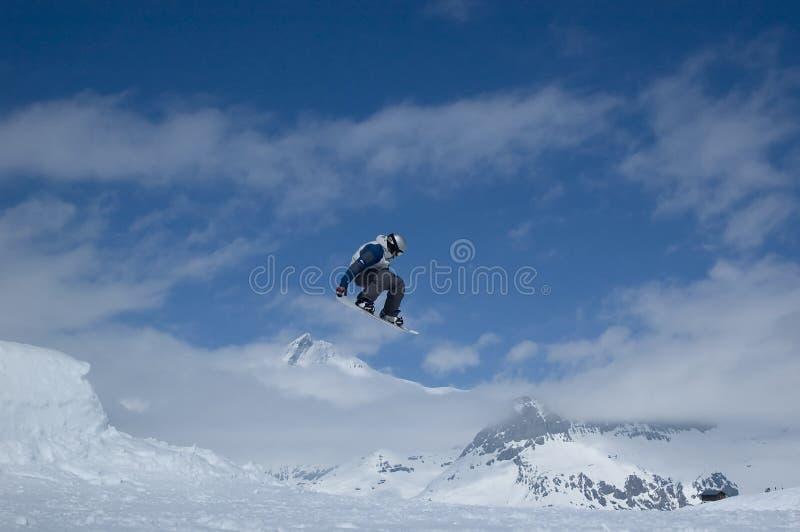 άλμα snowboarder στοκ φωτογραφίες με δικαίωμα ελεύθερης χρήσης