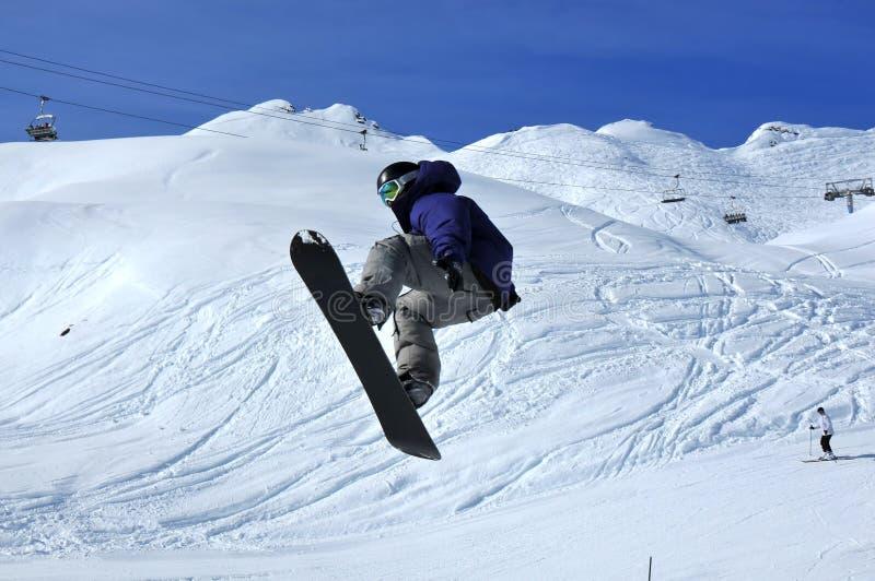 άλμα snowboarder στοκ εικόνες με δικαίωμα ελεύθερης χρήσης