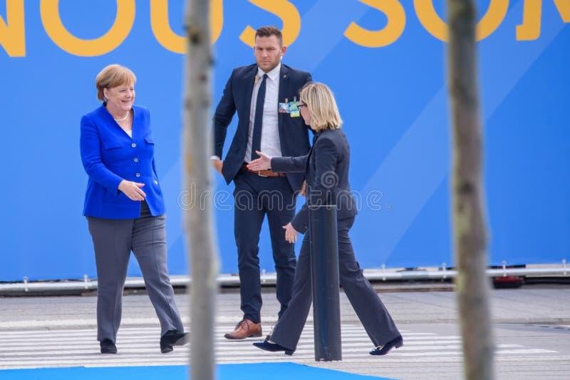 Άνγκελα Μέρκελ, καγκελάριος της Γερμανίας, κατά τη διάρκεια της άφιξης στη ΣΎΝΟΔΟ ΚΟΡΥΦΉΣ 2018 του ΝΑΤΟ στοκ φωτογραφία