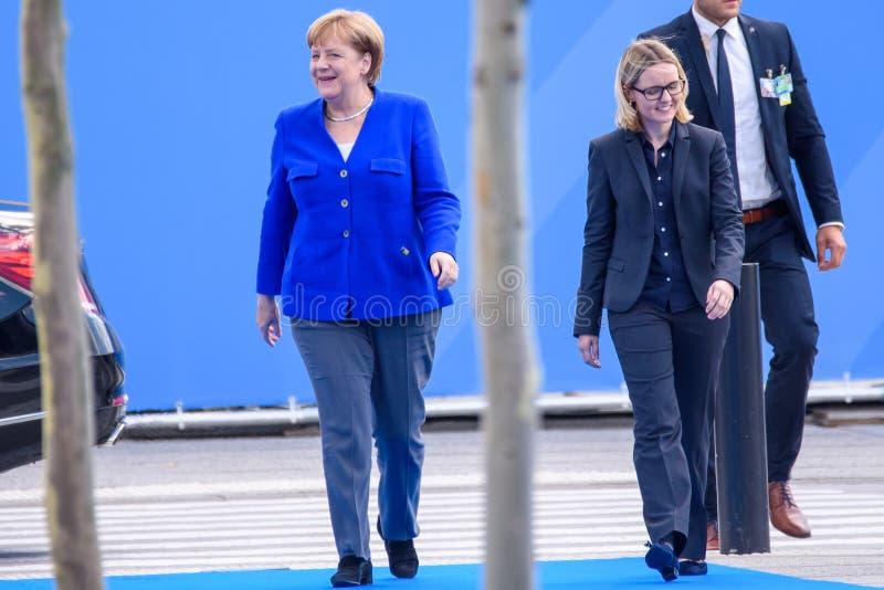 Άνγκελα Μέρκελ, καγκελάριος της Γερμανίας, κατά τη διάρκεια της άφιξης στη ΣΎΝΟΔΟ ΚΟΡΥΦΉΣ 2018 του ΝΑΤΟ στοκ φωτογραφία με δικαίωμα ελεύθερης χρήσης