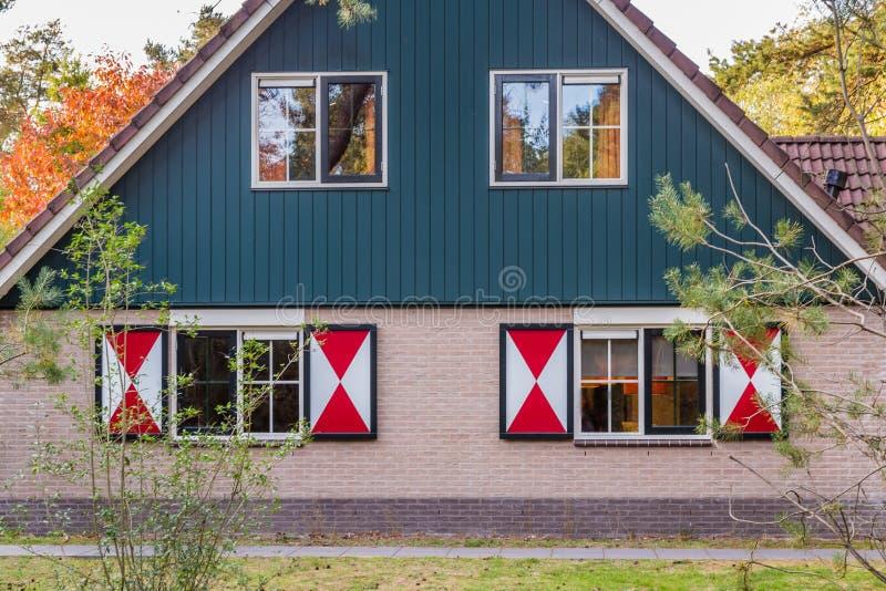 Άνετος λίγο σπίτι διακοπών στις Κάτω Χώρες στοκ φωτογραφίες